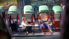 PHOTOGRAPHY – Fan Ho, Part II: Street Scenes in Dreamy Colour 1954-2004