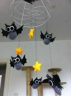 fledermaus aus wolle jahreszeit halloween pinterest. Black Bedroom Furniture Sets. Home Design Ideas