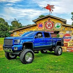 jacked up trucks and cars Lifted Chevy Trucks, Gm Trucks, Chevrolet Trucks, Diesel Trucks, Cool Trucks, Pickup Trucks, Gmc Suv, Dually Trucks, Chevy C10