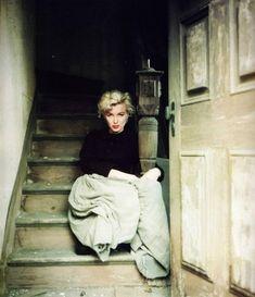 15/04/1956 Peasant / Make Up - Marilyn par Milton - Divine Marilyn Monroe
