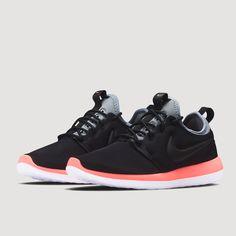 Roshe Two Shoe (BLACK/BLACK-COOL GREY-LAVA GLOW)