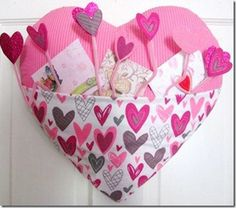Darling Heart-shaped Holder to hang on door, for Valentine Cards