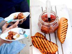 Sockerkaksbruschetta med rabarberkompott (kock Lisa Lemke) Ricotta, Waffles, Breakfast, Desserts, Lisa, Food, Morning Coffee, Tailgate Desserts, Deserts
