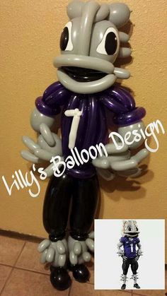 TCU mascot balloon sculpture