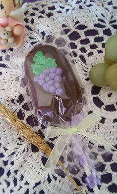 Oreos, Cake Pops, Paletas Chocolate, Magnum Paleta, Frozen Birthday Theme, First Communion Cakes, Cupcake Shops, Christmas Hamper, Acrylic Pouring Art