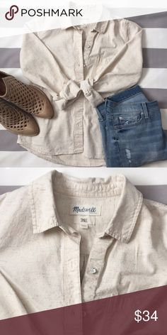Madewell Button-up Shirt Button-up shirt by Madewell in great condition. Fabric is 99% cotton/1% polyester. Buttons are distressed white. Fits true to size. Madewell Tops Button Down Shirts