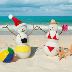 Christmas Party Themes For Adults, Tropical Christmas Decorations, Christmas Float Ideas, Adult Christmas Party, Aussie Christmas, Christmas Backdrops, Summer Christmas, Office Christmas, Christmas Party Games