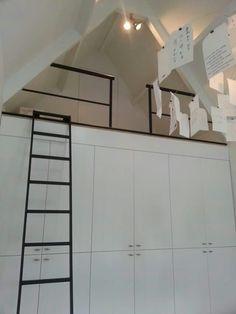 Attic Loft, Loft Room, Attic Rooms, Bedroom Loft, Ideas Habitaciones, Attic Bedroom Designs, Bed Nook, Small Attics, Attic Conversion