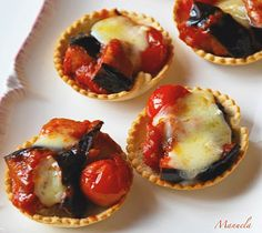 cestini di melanzane e brie Italian Dishes, Italian Recipes, Appetizer Recipes, Appetizers, Learn To Cook, Antipasto, Party Snacks, Healthy Cooking, Vegetable Recipes