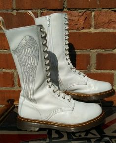 Dr Martens RARE CELESTE *Angel Wings* 14 hole boots/side zips.UK 6 Boho Chic VGC