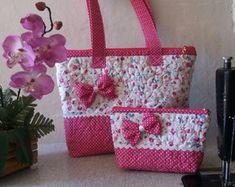 These are soooooo cute♥♥♥♥♥ Diy Fabric Purses, Diy Bags Purses, Fabric Handbags, Fabric Bags, Purses And Handbags, Fabric Basket, Bag Patterns To Sew, Sewing Patterns, Tote Pattern