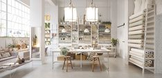 Scandinavia Meets Japan In These Minimalist Work Spaces: Decor inspiration on how to create a minimalist home office or craft room. Tips to create a calming working environment to reduce stress and boost creativity. Home Studio, Studio Interior, Home Interior Design, Clothing Studio, Design Studio Office, Style Deco, Diy House Projects, Backyard Projects, Creative Studio