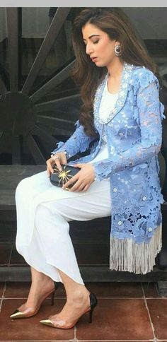 Stunning fun look from top to toe. Absolutely love and adore! Even the Spider Bag is adorable. And the shoes are fun,! Pakistani Dresses Casual, Pakistani Dress Design, Indian Dresses, Indian Outfits, Stylish Dresses, Casual Dresses, Fashion Dresses, Kurti Designs Party Wear, Kurta Designs