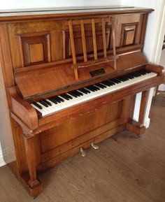 Upright Willoughby London Piano
