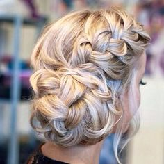 Yay or Nay?  Find more Hair Inspirations on our website: www.HairTru.com  #hairgrowth #hairvitamins