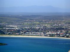 LANGEBAAN SANDS IS A NEW LUXURY TOWNHOUSE DEVELOPMENT IN THE SANDBAAI AREA CLOSE TO THE BEACH AND LANGEBAAN YACHT CLUB AS WELL AS PART OF MYBURG PARK. Yacht Club, Sands, Townhouse, Dolores Park, River, Luxury, Beach, Outdoor, Outdoors