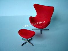 """Brio. Arne Jacobsen """"the Egg"""" armchair and foot stool"""