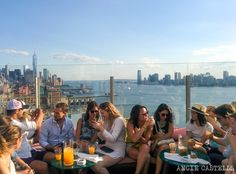 Los mejores rooftops de Nueva York The Standard Le Bain Brooklyn, Usa News, Rooftop, New York City, New York Skyline, Chicago, United States, Nyc, The Unit