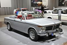 1972 BMW 2002 Cabrio specs, top speed, fuel consumption figures, engine power and torque, dimensions and weights, and general technical specifications.