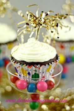 Fill champagne cups with cupcakes!