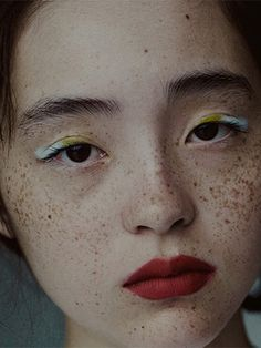See related links to what you are looking for. Makeup Inspo, Makeup Inspiration, Eye Makeup, Hair Makeup, Asian Eyes, Make Up Art, Aesthetic People, Beauty Shots, Creative Makeup