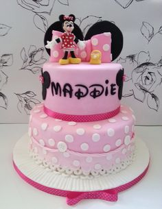 Candy coated Minnie Mouse theme pretzels Glam Cakes Cupcakery