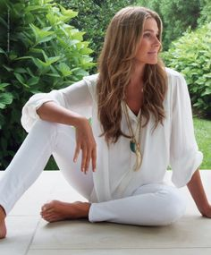 LDV Loves: The White Shirt via La Dolce Vita | Aerin Lauder