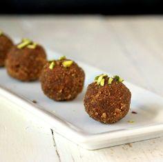 Vegan Richa: Oil-free Wheat Laddoo/Laddu and Choorma - Sweet Wheat cardamom balls. Vegan recipe