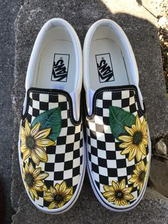 Checkered Vans I hand painted for a friend :) - - Checkered Vans I hand painted for a friend :). Painted Vans, Painted Canvas Shoes, Painted Sneakers, Painted Clothes, Hand Painted Shoes, Vans Slip On Shoes, Custom Vans Shoes, Me Too Shoes, Custom Converse