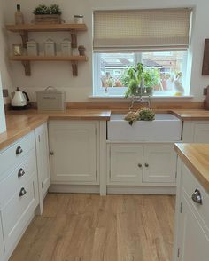 Did someone say more snow! Come on now! I love snow but I'm ready for Spring now please! #kitchen #kitchens #kitcheninspoweek #kitchenideas…