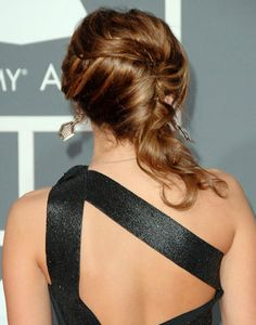 French Twist - How to Make a French Twist for Quinceanera Hairstyles - Mis Quince Mag
