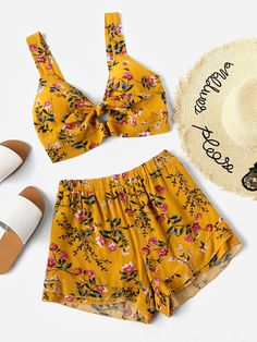 Shop Knotted Keyhole Front Calico Print Crop Top With Shorts online. SheIn offers Knotted Keyhole Front Calico Print Crop Top With Shorts & more to fit your fashionable needs.