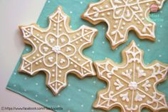 Quick Snowflake Cookies | Winter / Christmas / Holidays | Soft Vanilla Sugar Cookies decorated with Royal Icing