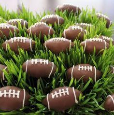 Football cakepops!