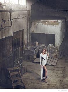 michaela-black-white-fashion-photos05