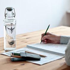 Bedeutungstragende Wasserflaschen