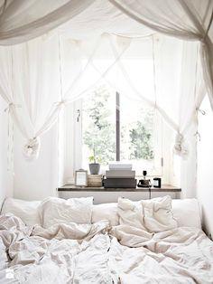 Jak stworzyć romantyczną sypialnię z baldachimem? - zdjęcie od cleo-inspire - Sypialnia - Styl Skandynawski - cleo-inspire