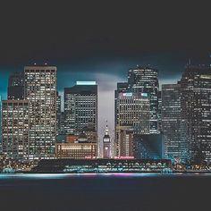 A portrait of San Francisco by amazing photographer @jude allen: Sanfranpsycho 😈 #photography #photographer #cityscape #instalike #instagood #instagram #instalove #instamood #camera #cameragear #skyscraper #skyscrapers #inspiring #inspiration #creative #skyline #image #share #sharethelove #travel #explore #sfo #sanfran