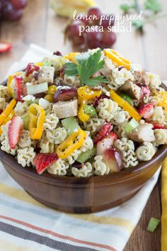 Perfect picnic salad for the warmer weather! // Lemon Poppyseed Pasta Salad #pastasalad #fruit #recipe