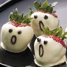 aardbei spookjes, gedoopt in witte chocola, grappig heh? ik ga ze zéker maken voor halloween!