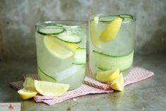 Spicy Gin Lemonade Cocktail RecipeProductos frescos  8 thin slices Cucumbers 1 Lemon Respotería y especias  1 pinch Cayenne pepper Drinks  16 oz Lemonade Congelados  1 Ice Cerveza, vino y bebidas espirituosas  4 oz Gin