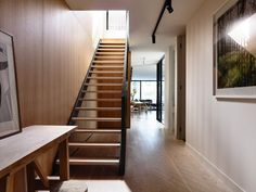 Confronted with the intricacies and opportunities of a small site in Melbourne, Australia, Inglis Architects came up with a clever narrow house design. Timber Staircase, Staircase Handrail, House Staircase, Staircases, Stair Treads, Staircase Ideas, Railings, Phnom Penh, Architect House