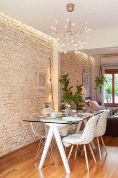 5 dicas para criar um ambiente mais aconchegante - Iluminação indireta, tecidos, plantas, cores e madeira!
