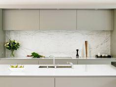 8 Eloquent Tips AND Tricks: Vintage Minimalist Decor Living Room minimalist kitchen decor stainless steel. Grey Kitchen Designs, Modern Kitchen Design, Minimalist Kitchen, Minimalist Decor, Minimalist Interior, Minimalist Living, Modern Minimalist, Handleless Kitchen, Victorian Kitchen