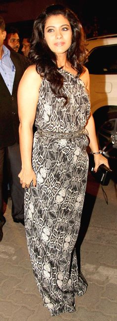 Kajol arriving at the Filmfare Awards. #Style #Bollywood #Fashion #Beauty