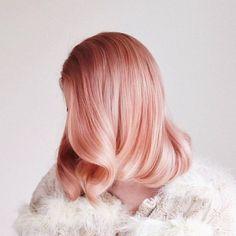 Pink hair hair and makeup gold hair colors, hair styles, pea Pastel Coral Hair, Peach Hair Colors, Hair Color Pink, New Hair Colors, Pink Peach Hair, Blonde Color, Pastel Colors, Pale Pink, Hair Color For Dark Skin