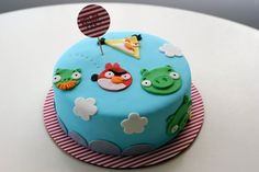 Coco Cake Cupcakes--Vancouver BC by Lyndsay Sung: Angry Birds Cake! Torta Angry Birds, Angry Birds Birthday Cake, Bird Birthday Parties, Birthday Cakes, Pretty Cakes, Cute Cakes, Beautiful Cakes, Amazing Cakes, Fondant Cakes