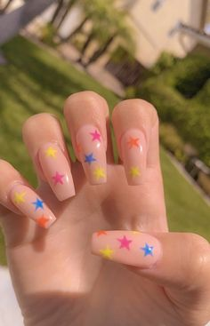 Want some ideas for wedding nail polish designs? This article is a collection of our favorite nail polish designs for your special day. Aycrlic Nails, Star Nails, Best Acrylic Nails, Acrylic Nail Designs, Kylie Jenner Nails, Fire Nails, Dream Nails, Perfect Nails, Halloween Nails