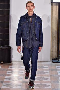 Valentino Paris Menswear Spring Summer 2018 Paris June 2017