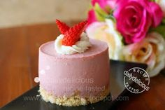 dailydelicious: Strawberry Yogurt Mousse Cake: Tangy sweet that you can't say no!